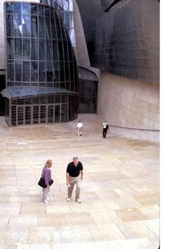 空旷的毕尔巴鄂博物馆